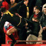 La brutal agresión de Eric Cantona a un aficionado del Crystal Palace
