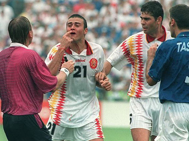 El codazo de Tassotti a Luis Enrique en USA'94