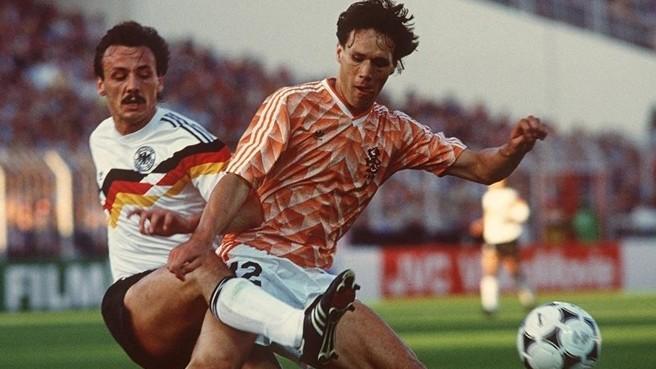 Las 5 camisetas más bonitas y exitosas de la historia de los Mundiales y Eurocopas
