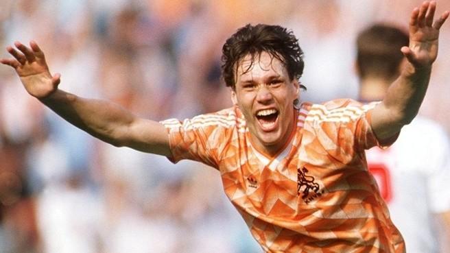 Eurocopa '88: Van Basten marca uno de los mejores goles de la historia