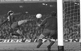'El gol imposible' de Johan Cruyff al Atlético de Madrid