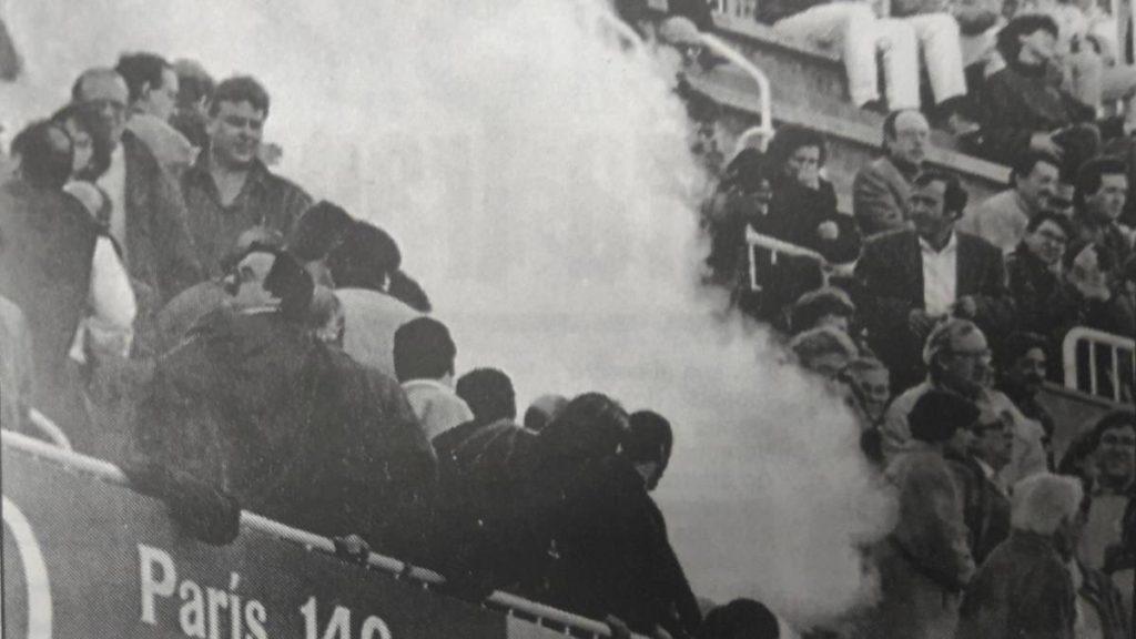 Una bengala mata a joven hincha del Espanyol en Sarrià