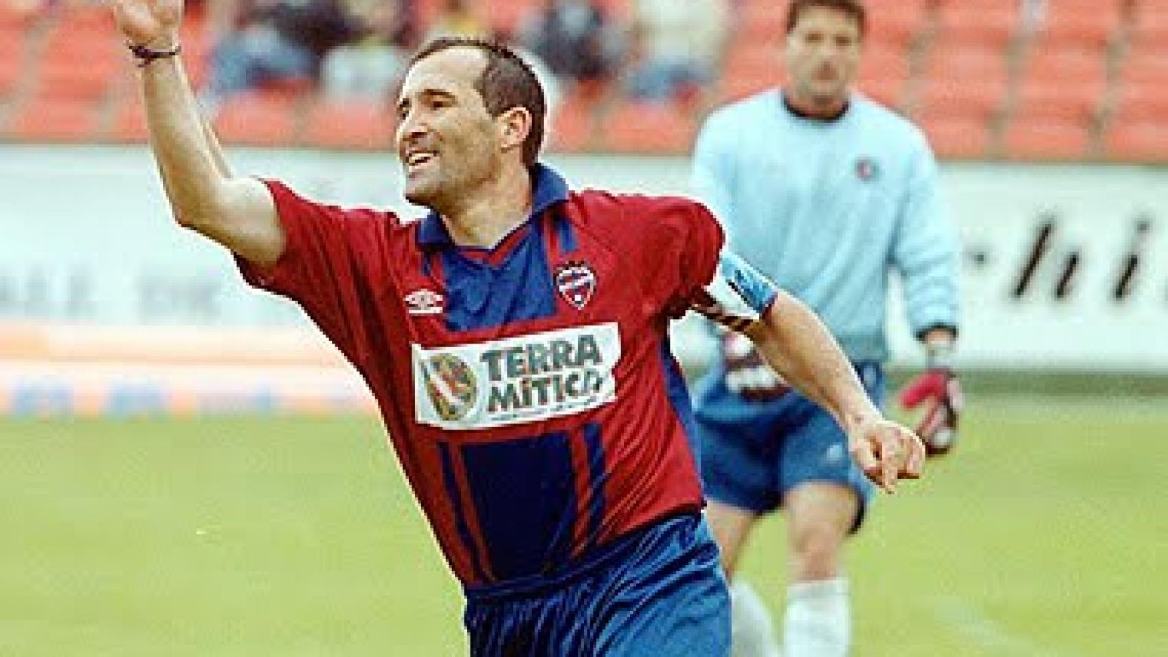 Paco Salillas, de gran goleador a profesor de pádel