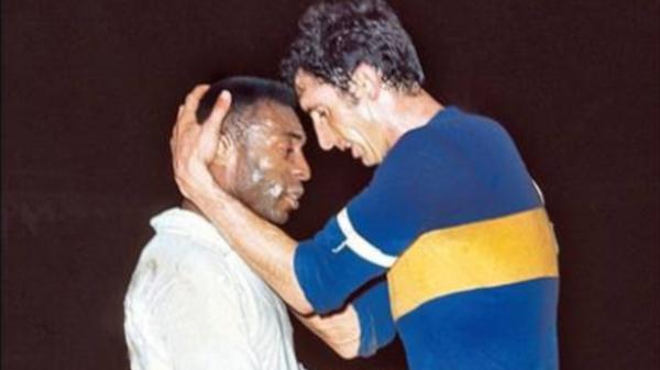 La primera final de la Copa Libertadores disputada por Boca que le enfrentó al Santos de Pelé