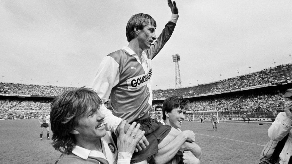 La retirada a lo grande de Johan Cruyff en el Feyenoord de Rotterdam