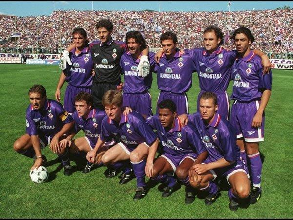 ¿Por qué la camiseta de la Fiorentina es de color 'viola'?