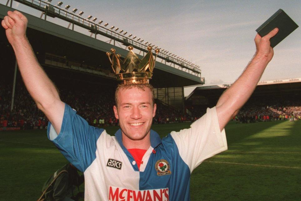 Alan Shearer, máximo goleador de la historia de la Premier League