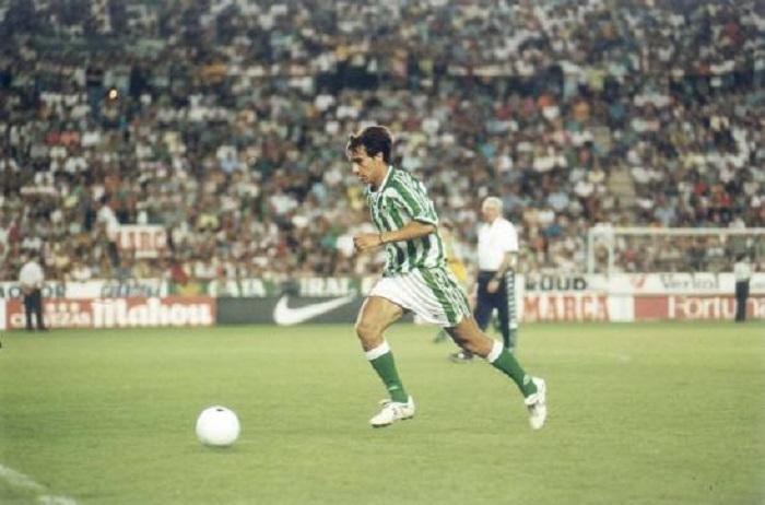 El porqué de las botas blancas de Alfonso en el Real Betis