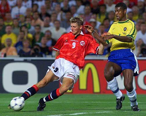mejores futbolistas noruegos