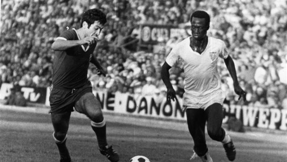 mejor futbolista de Gambia