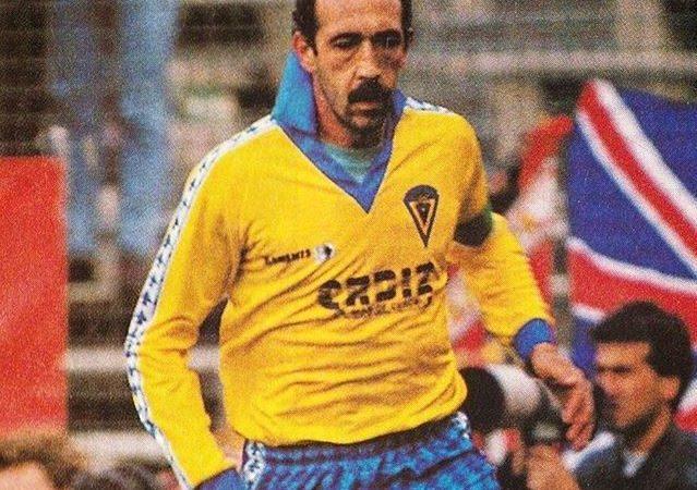 Carmelo el Beckenbauer de la Bahía Cádiz